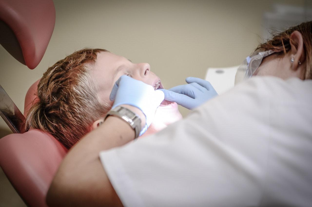 prevenire-la-carie-dentale